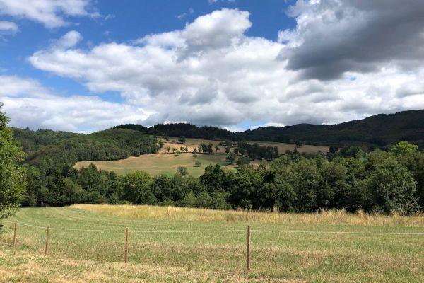 La Montagne Bourbonnaise attire pour ses paysages.
