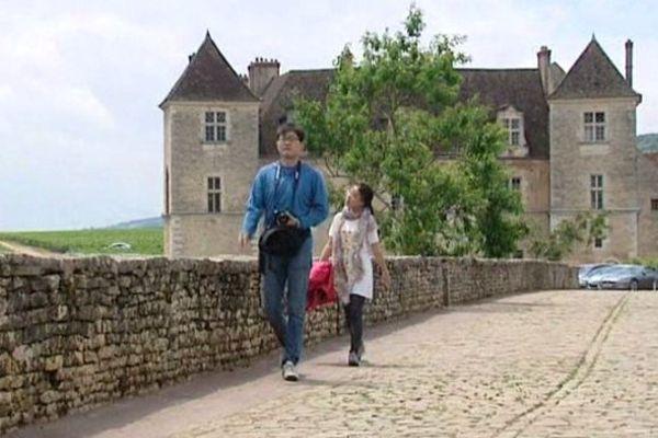 Le château du Clos de Vougeot accueille les 2èmes Journées Internationales des amateurs éclairés de vins samedi 5 juillet