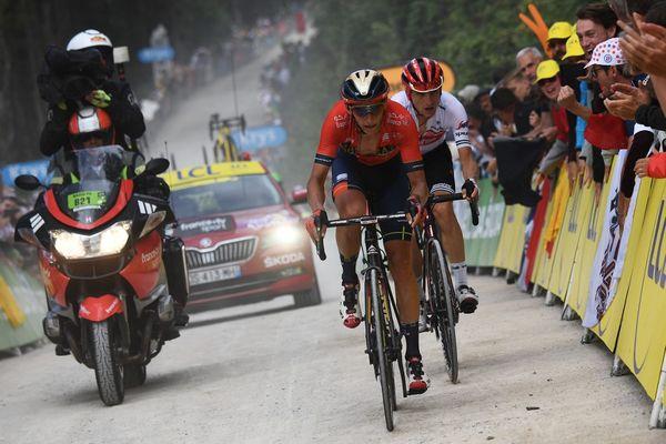 Dylan Teuns remporte l'étape Mulhouse-La Planche des Belles Filles, devant Giulo Ciccone qui s'empare du maillot jaune