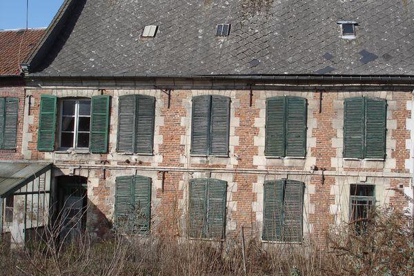 Des travaux de restauration sont nécessaires pour sauvegarder la bâtisse.