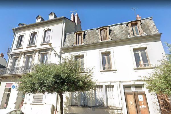 Tarbes - les 2 immeubles que l'incendie a détruit - archives.
