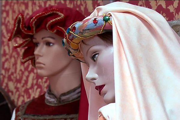 Vue de mannequins du musée Mazarin à Lesparre, en Médoc