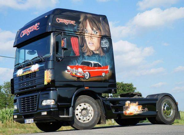 Le premier camion de Manolane, inspiré par l'univers de Stephen King