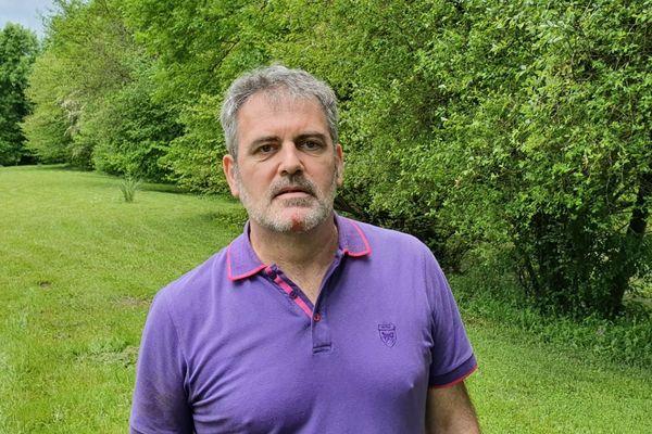 Raphaël Gérard, député de Charente-Maritime est en quatorzaine à Aurillac dans le Cantal après avoir été testé positif au Covid-19 après six semaines d'hospitalisation.