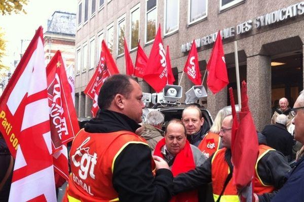 Les manifestants rémois s'étaient donné rendez-vous devant la maison des syndicats.