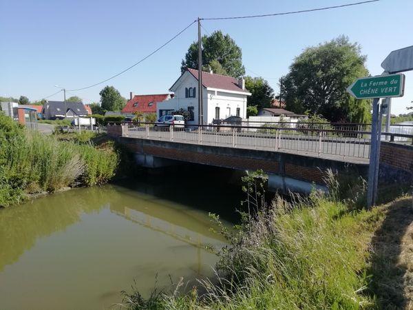 Pont et hameau du Benkies Mille, à Warhem, lieu de furieux combats les 1er et 2 juin 1940.