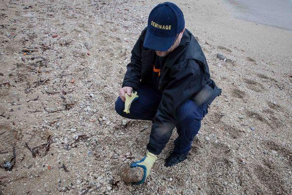 c'est l'obus qui a été retrouvé sur une plage de Marseille