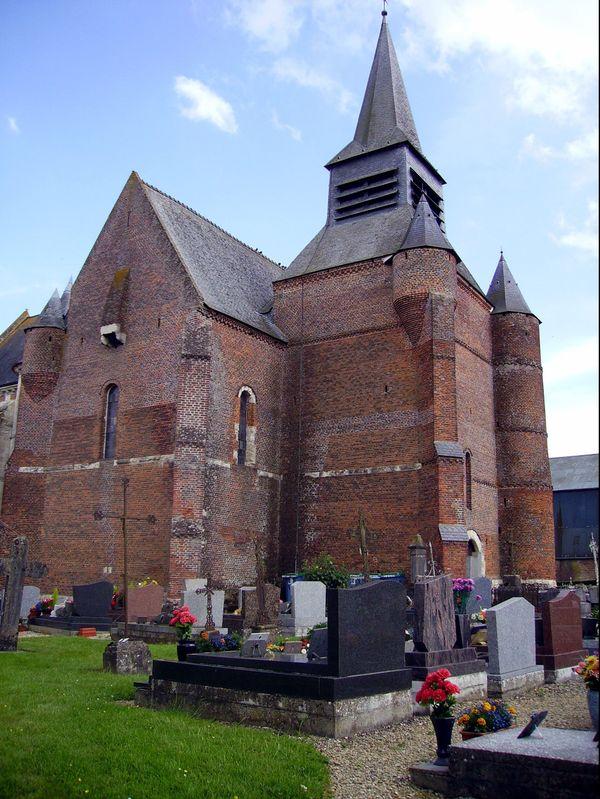 L'église fortifiée de Burelles, dans l'Aisne.