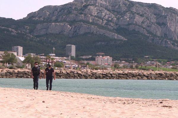 Jusqu'à nouvel ordre, les policiers sont les seuls à pourvoir profiter des plages marseillaises.
