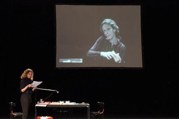 """Caroline Arrouas, interpretre exceptionnelle du """"Portrait de Bourdieu"""""""