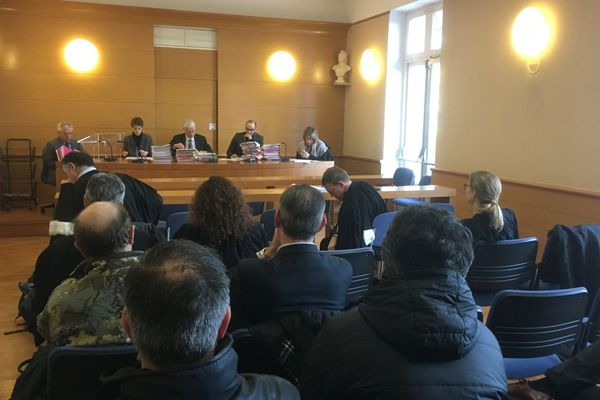 12/01/17 - Arrêté anti-brukini de Sisco devant le tribunal administratif de Bastia