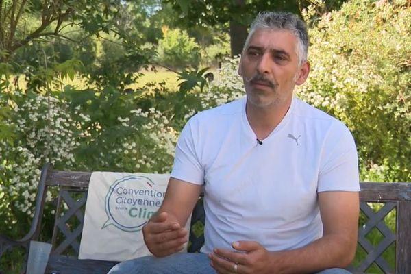 Victor Costa est l'un des 150 membres tiré au sort pour former la convention citoyenne .