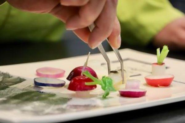 Belle assiette pour belle table ! Découvrez les restaurants du département Provence Alpes Cote D'azur sélectionnés par le guide Gault et Millau en 2019.