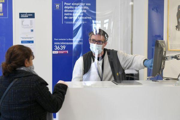 Ce mardi 7 avril, soixante bureaux de La Poste sont ouverts dans les quatre départements de Poitou-Charentes.