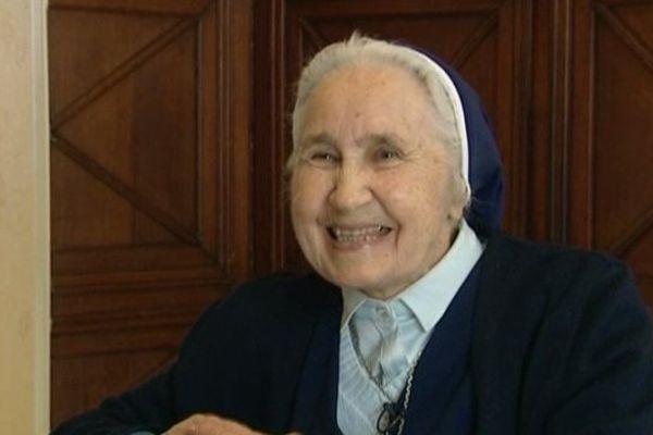 Soeur Anne-Marie est l'une des 3 dernières religieuses de la communauté de Jésus du Temple installée au Nouvion-en-Thiérache (02)