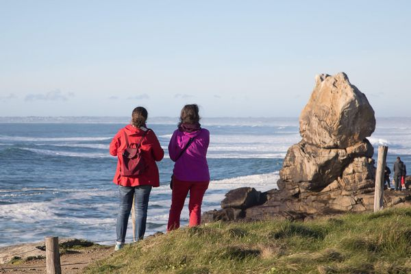 Tourisme à la Pointe de la Torche. 12 degré et du soleil pour les premiers jours de congés de la zone B des vacances d'hiver.