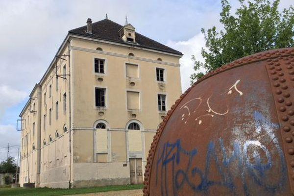 L'ancien moulin de la Sucrerie Blanche deviendra la Cité numérique
