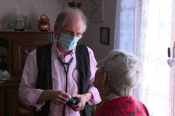 Le docteur Patrick Laine prend sa retraite en Haute-Saône. Il a 71 ans.