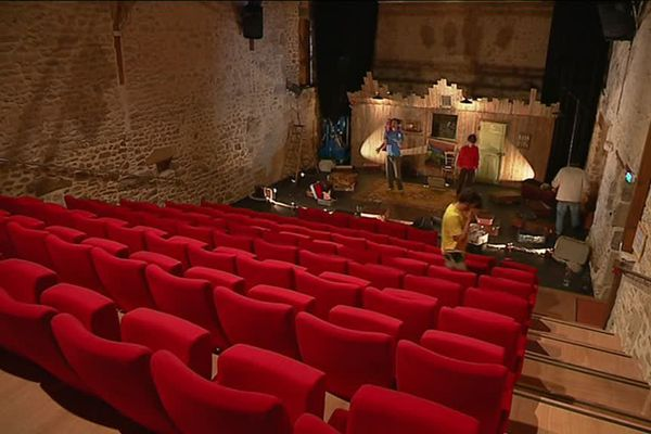 L'écrin de la ferme-théâtre de Mérinchal en Creuse.