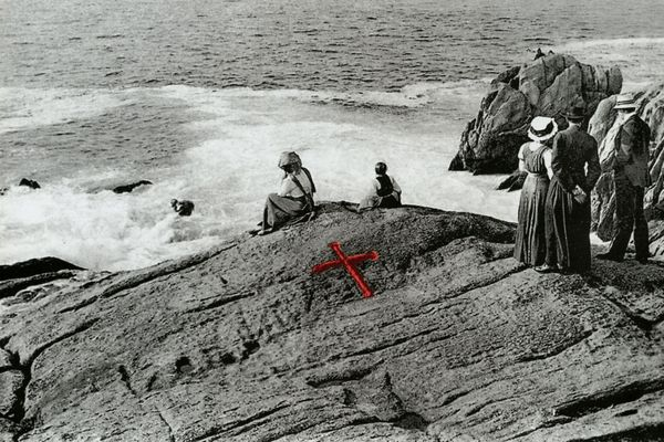 """Après le drame du 10 octobre 1870, le rocher est rebaptisé """"rocher du préfet"""" ou encore """"roche des victimes"""""""