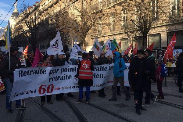 Les manifestants ont commencé à se rassembler peu avant 10h ce mardi 14 janvier 2020 sur l'avenue Alsace Lorraine.