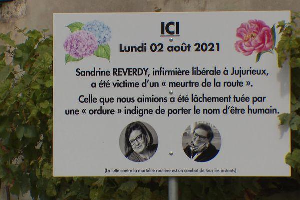 Sandrine Reverdy travaillait sur la commune en tant qu'infirmière libérale, elle venait de sortir du domicile de l'un de ses patients lorsque l'accident mortel s'est produit