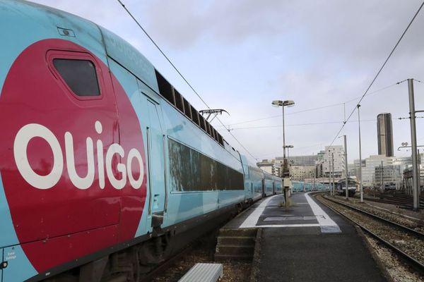 Un train OuiGo à la gare Montparnasse de Paris. Photo d'illustration.