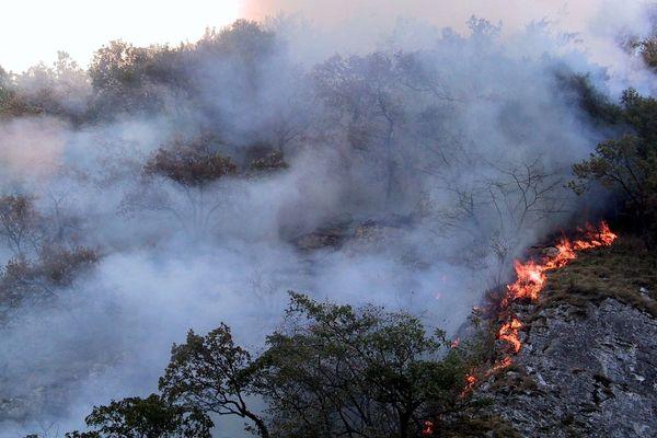 Un incendie dans le secteur de Saint Béat lors de l'hiver 2002/2003
