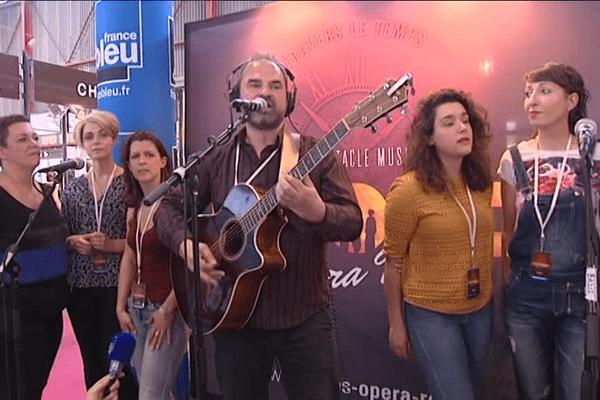 """Les visiteurs de la Foire Expo ont pu entendre un premier extrait """"Live"""" de Limoges Opéra Rock."""