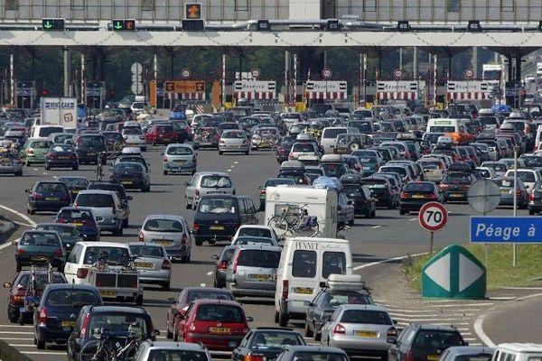 La ministre souhaite faire baisser les profits des sociétés d'autoroute en instaurant, par exemple, leur gratuité durant le week-end.