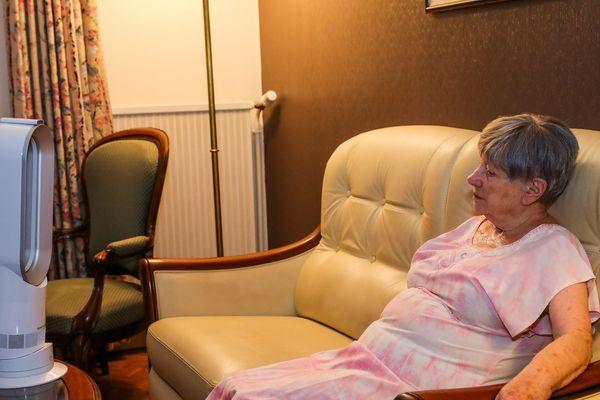 La canicule touche particulièrement les personnes âgées.