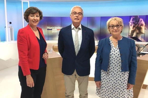 Hugues Tupin (LDVG) est face à Jocelyne Poitevin (LDIV) pour le débat du 2e tour des éléctions municipales ce 24 juin à 18h présenté par Nathalie Rossignol (à gauche)