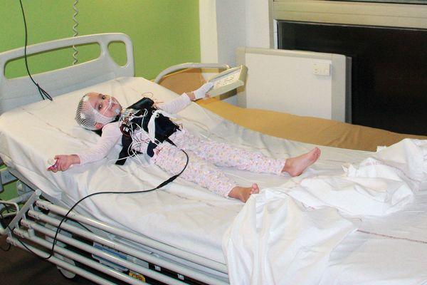 La polysomnographie permet d'enregistrer le sommeil de l'enfant.