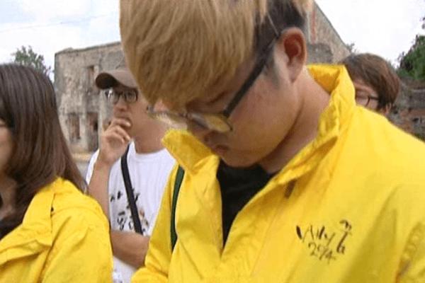 Visite des étudiants Sud Coréens à Oradour-Sur-Glane