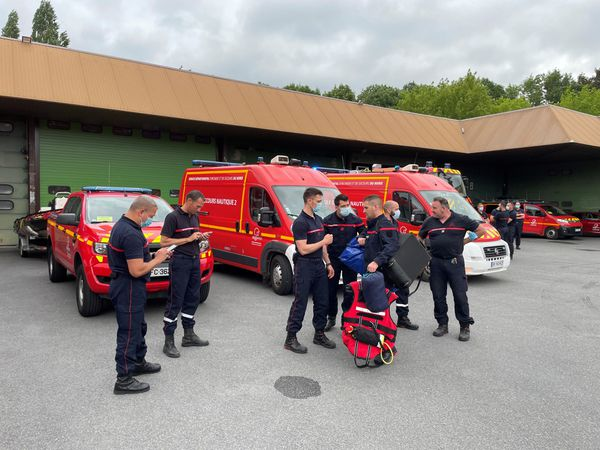 34 pompiers du SDIS Nord prêts à rejoindre leurs collègues Belges dans la région de Liège.