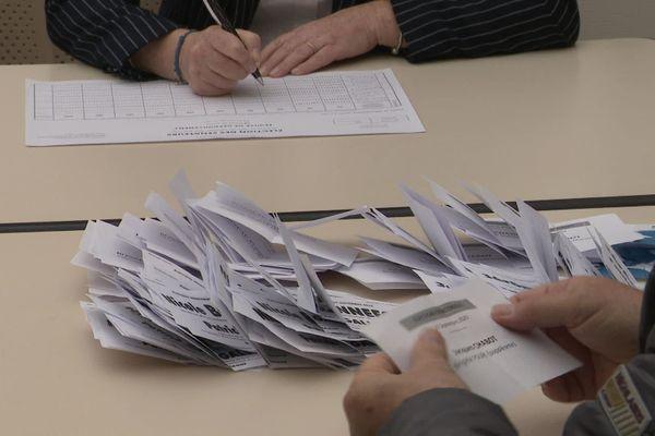 Un bureau de vote à Poitiers dans la Vienne.