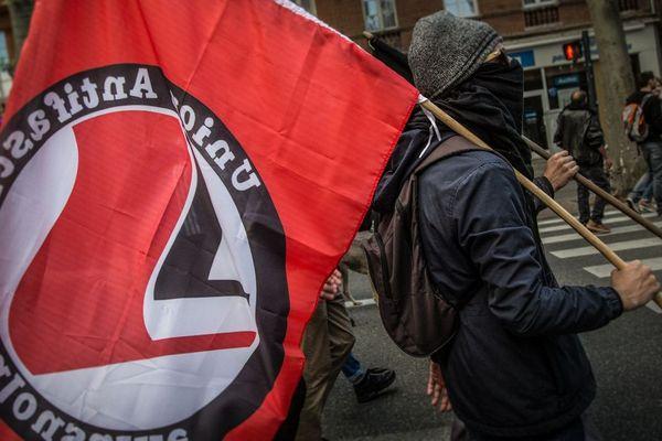 Depuis l'hiver 2018, l'Union Antifasciste Toulousaine a rejoint les cortèges des Gilets Jaunes à Toulouse.