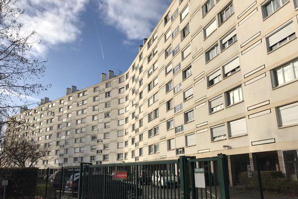 C'est l'un des riverains de cet immeuble d'Olivet qui a donné l'alerte, ce samedi 16 janvier.