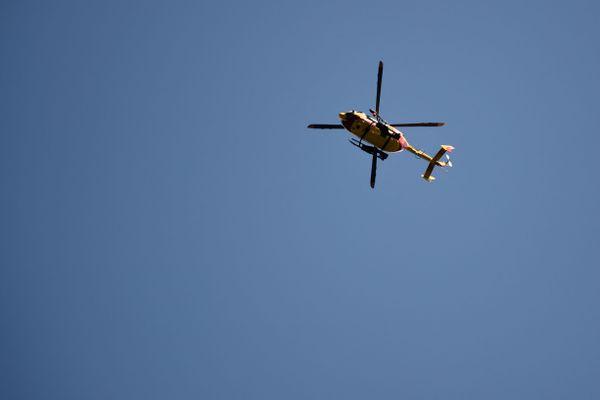 La victime a été évacuée au service déchocage du CHU de Grenoble par un hélicoptère de la sécurité civile