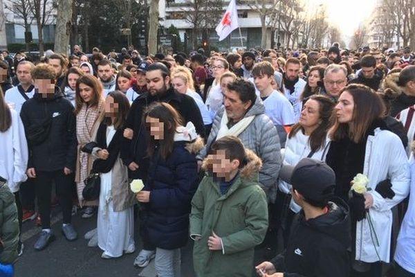 Des centaines de personnes ont participé à la marche en mémoire de Cédric Chouviat à Levallois-Perret.