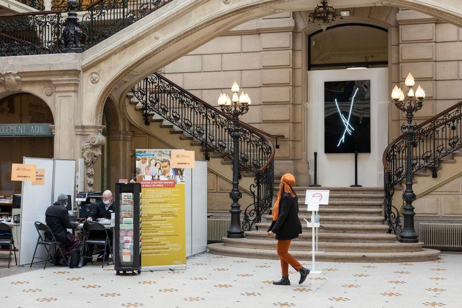 """Paris : """"Rencontres inattendues""""avec des œuvres d'art contemporain, juste en bas de chez soi"""
