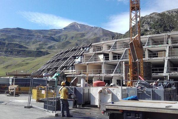 Construction d'un nouveau bâtiment pour des logements neufs à Piau Engaly