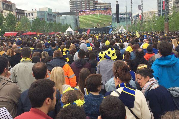Comme pour la finale de la Coupe d'Europe, le 13 mai 2017, dimanche 4 juin, un écran géant sera installé place de Jaude, à Clermont-Ferrand, pour vivre la finale de top 14 entre l'ASM et Toulon.