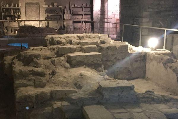 Les vestiges de l'hôtel sur lequel était placées les reliques de la Sainte Croix