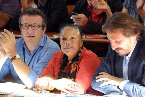 """La ministre de la Justice Christiane Taubira, qui a été reconduite dans le gouvernement Valls II, s'est rendue samedi 30 août 2014 à une réunion des """"frondeurs"""" socialistes, qui se tient en marge de l'université d'été du PS à La Rochelle."""