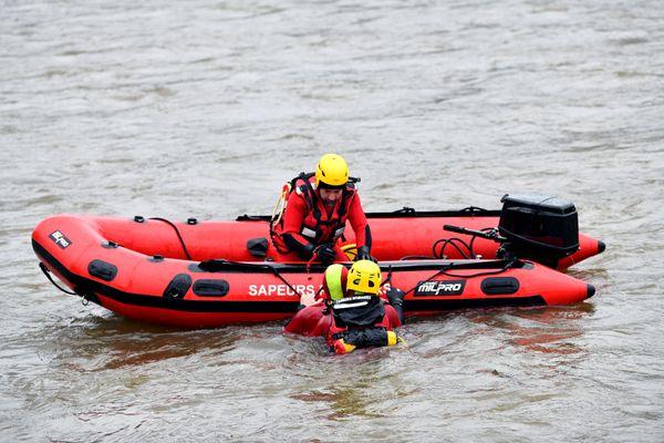 Les plongeurs des pompiers de Corrèze en exercice en février 2021