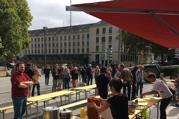 Manifestation devant la préfecture de Nantes, les Zadistes réclament l'attribution des terres, le 17 septembre 2019
