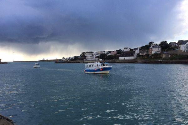 Retour de pêche à Audierne (Finistère)