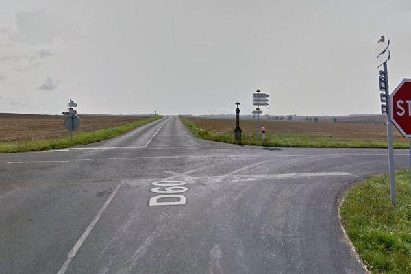 Le carrefour entre la D60 et la D69, dans la Marne, sur la route entre Bassuet et Saint-Quentin-les-Marais, où a eu lieu le dimanche 1er septembre un accident faisant trois morts et un blessé grave.