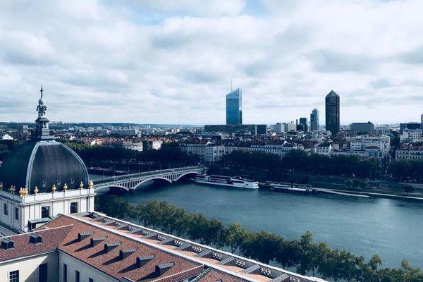 Vue de Lyon depuis le toit de l'Hôtel-Dieu